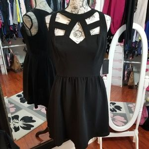 🖤Guess Cut Out LBD🖤